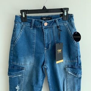 Don't Show Up Cargo Jeans – Medium Wash